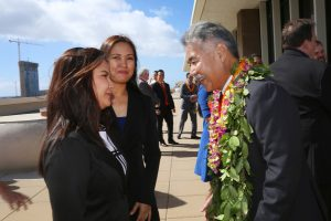 Rovy Dipaysa (left) with her mom and governor.