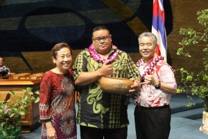 Top employee: Lowell Spencer from Honowai School with DOE superintendent Kathy Matayoshi and Gov. Ige.