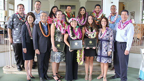 Vanessa Ching State 2018 Teacher of the Year. Gov Ige, Dawn Ige, DOE superintendent Dr. Christina Kishimoto, BOE chair Lance Mizumoto