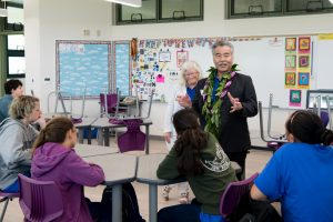 In one of the modern classrooms, Gov. Ige talks to students about the significance of STEAM for 21st century learning and careers.