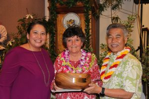 State Employee of the Year Susan Hansen and Director Catherine Awakuni Colon of DCCA with Gov. Ige.