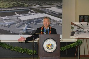 Governor David Ige speaking to the audience during the Mauka Concourse groundbreaking ceremony