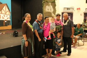 DHHL director Jobie Masagatani, Gov. Ige and deputy William Aila with the Wallace-Haina family.