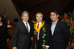 HOMELESS SOLUTIONS: Governor Ige with Duane Kurisu of Kahauiki Village and state homeless coordinator Scott Morishige.