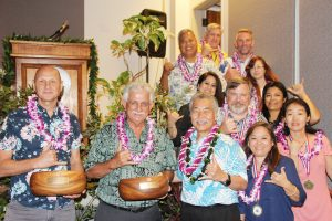 Gov. Ige with the winners of the top team, manager and employee of the year awards.