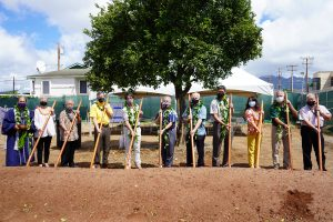 governor and others pose for groundbreaking